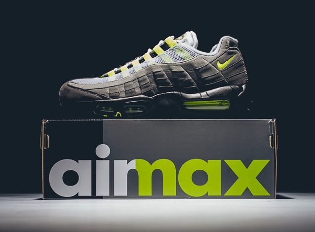 nike-air-max-95-neon-og-black-volt-2